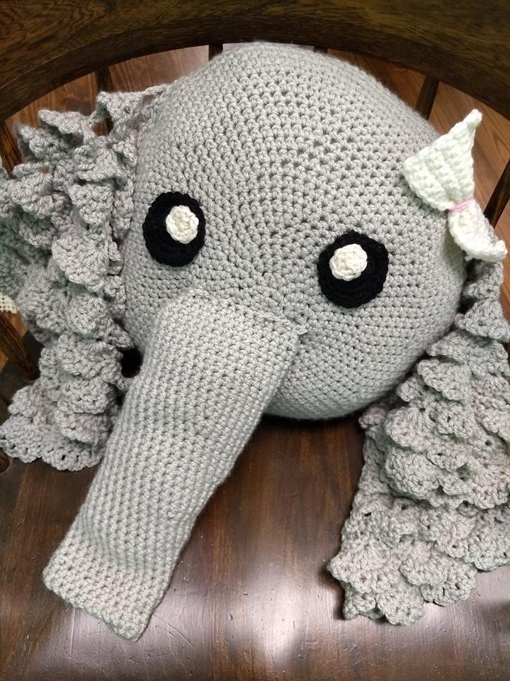Crochet Elephant Pillow Pattern - Crochet News | 960x720